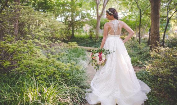 Grapevine Botanical Garden Bridals // Lauren's Bridals